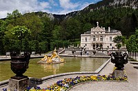 Front view and fountain, Linderhof Palace, Upper Bavaria, Bavaria, Germany, Europe