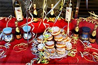 Jelly donuts, baked goods on display at a bakery, Maxvorstadt district, Munich, Bavaria, Germany
