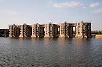 Les Arcades du Lac, Wohnsiedlung im See von Ricardo Bofill 1978_1982