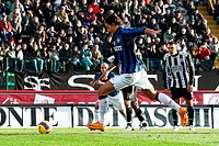 zlatan ibrahimovic scores the penalty,siena 13/01/2008,serie a football championship,siena_inter 2_3,photo fornasari/marka