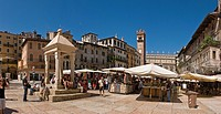 Italy, Europe, Piazza dell´ Erbe, Verona, city, town, summer, people, square, market
