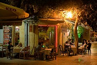 People sitting outside a cafe, coffee shop at night, Laiki Geitonia, Lefkosia, Nicosia, Cyprus