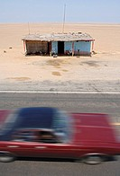 Hovel, hut along the Pan_American Highway south of Chiclayo, Peru, South America