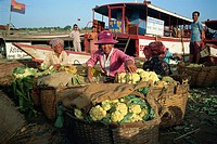 Riverside vegetable market, Phnom Penh, Cambodia, Indochina, Southeast Asia, Asia
