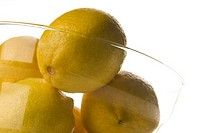 Close_up of a bowl of lemons