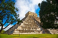 Low angle view of a pyramid on a landscape, Chichen Itza, Yucatan, Mexico