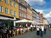 Cafes and restaurants, Nyhavn, Copenhagen, Denmark, Scandinvia, Europe