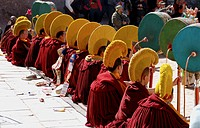 every year traditional Tibetan Buddhas Thangka festival in Gansu Labulengsi celebrate.this is tibetan very holy and most important festival, a long li...