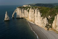 View on Porte d´Aval, Etretat , Seine_Maritime , Normandy , France , Europe