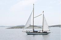 Segelbåt i Bohusläns skärgård. Sailing_boat In Bohuslän Archipelago, Sweden