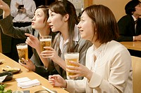 Women chattin in the Japanese_style pub