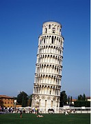 Lutande Tornet I Pisa I Italien, , Low Angle View Of Leaning Tower With Tourist Around