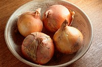 Bowl Of White Onions (thumbnail)