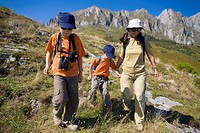 Family practice mountaineering in the Ándara massif, of walking in the Picos de Europa, Cantabria, Spain, Europe