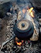 Kaffe Kokas Över Öppen Eld, Close_Up Of Coffee Brewing On Campfire