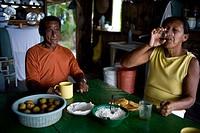 Couple, Meals, Maria Auxiliadora da Silva, Cuieiras River, Amazônia, Manaus, Amazonas, Brazil