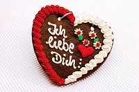 Gingerbread heart - I love you (German: Ich liebe dich)