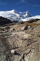 Landscape shaped by glacial movement, Mt. Schlattenkees, Mts. Hoher Zaun and Schwarze Wand, Venice Group, Hohe Tauern National Park, East Tyrol, Austr...