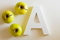 Three apples and the letter A