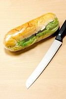 Knife and hot dog (thumbnail)