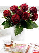 Bouquets of dark red roses (thumbnail)