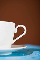 Cup and saucer (thumbnail)