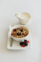 Berry muesli with milk
