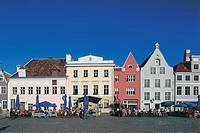 Large group of people in front of buildings, Raekoja Plats, Vanalinn, Tallinn, Estonia
