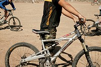 mountainbiker, mountainbikes, sport_clothing, outside, close_up,