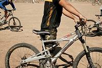 mountainbiker, mountainbikes, sport_clothing, outside, close_up,