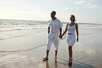 Mate, beach_walk, hand in hand, lake,waves, sandy beach, full_length