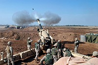 Marine Corps M_198 155mm Howitzer gun crew