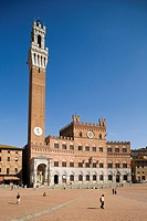 europe, italy, tuscany, siena, piazza del campo, city hall and mangia tower