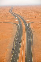 Dubai, desert, road (thumbnail)