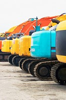 Diggers for sale on auction yard (thumbnail)