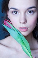 Young woman with tulip (thumbnail)