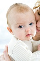 Portrait of a mum with baby (thumbnail)