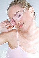 Young woman with eyeglasses mask (thumbnail)