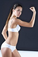 Young woman with great body (thumbnail)