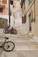 Balcony, Building Structure, Building Exterior, Bicycle, Alley (thumbnail)