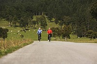 Austria, Karwendel, Senior couple biking