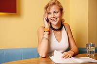 Phoning, teenager, beauty, girl, restaurant, teen (thumbnail)