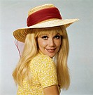 Menschen hist., Frauen, 70er Jahre, Portrait, Frau, blond, mit Strohhut, hut