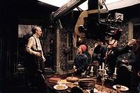 Film, Lemony Snicket _ A series of unfortunate events, USA 2004, Regie: Brad Silberling, Aufnahme von Jim Carrey und dem Regisseur während der Dreharb...