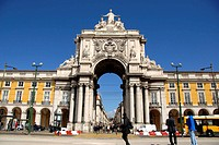 Arco do Triunfo (19th century) and official buildings. Praça do Comércio, also known as Terreiro do Paço , Baixa, Lisbon, Portugal.