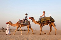 Bab Al Shams Desert Resort, arab man explain wild animal to european woman, Dubai, United Arabian Emirates