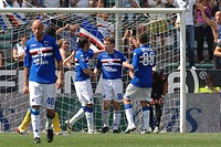 antonio cassano celebrated after his goal, genova 2009, serie a football championship 2008_2009, sampdoria_udinese