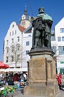 Hanfried_Statue des Universitätsgründers Kurfürst Johann Friedrich I. von Sachsen, Stadtkirche St. Michael, Jena, Thüringen, Deutschland