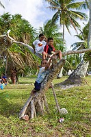 Kids on Woja Island, Marshall Islands, Ailinglaplap Atoll, Micronesia, Pacific Ocean