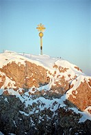 Cross on summit, Zugspitze, Garmisch_Partenkirchen, Bayern, Germany
